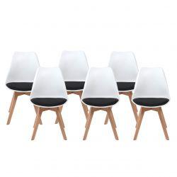 6 białych krzeseł w stylu skandynawskim