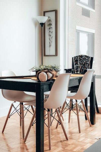 Jadalnia - krzesła w stylu skandynawskim